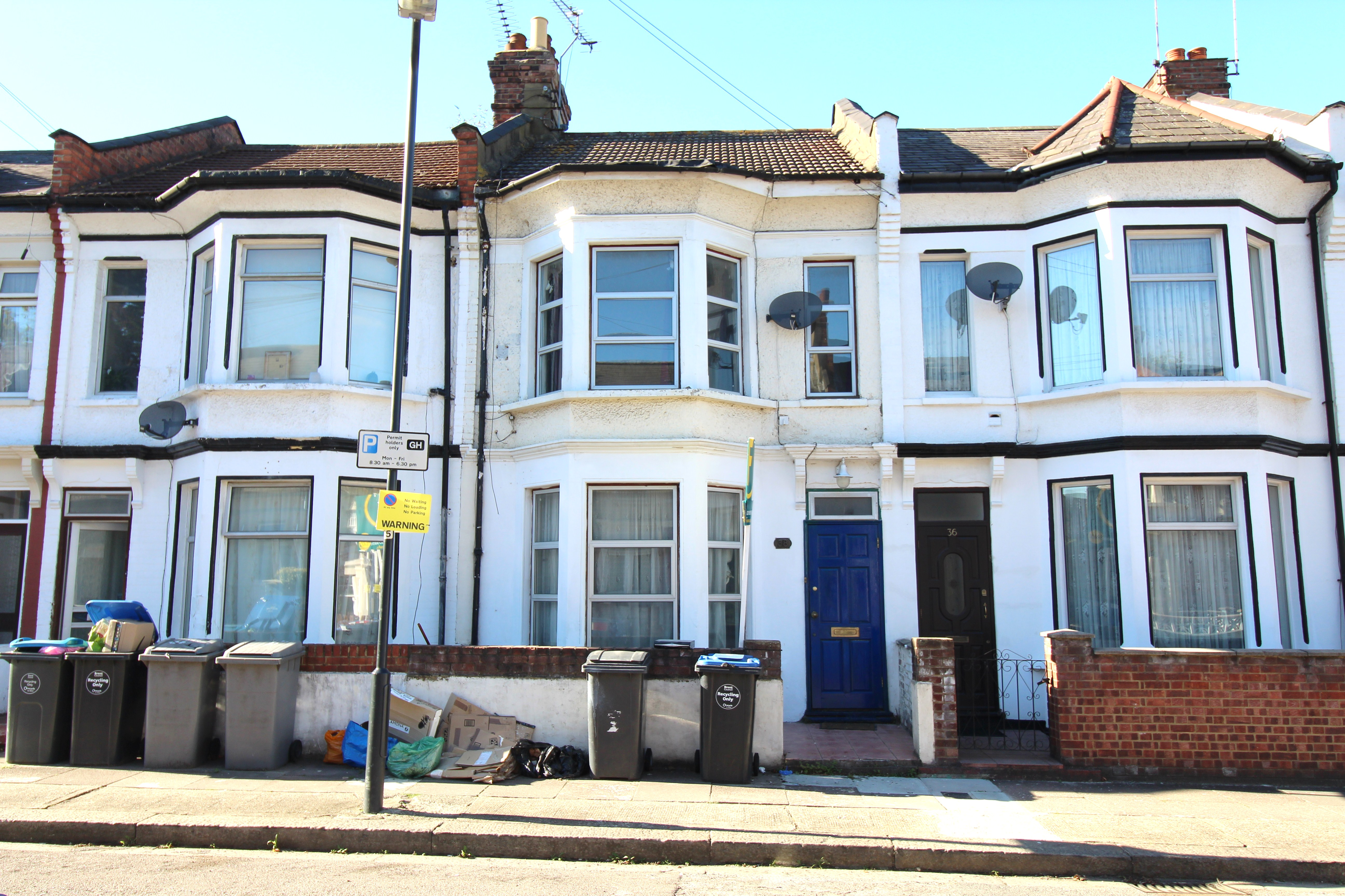 c9554e3542 VICTORIAN FREEHOLD HOUSE DIVIDED AS A 3 BED 2 BATH DUPLEX GARDEN FLAT   1  BED FLAT